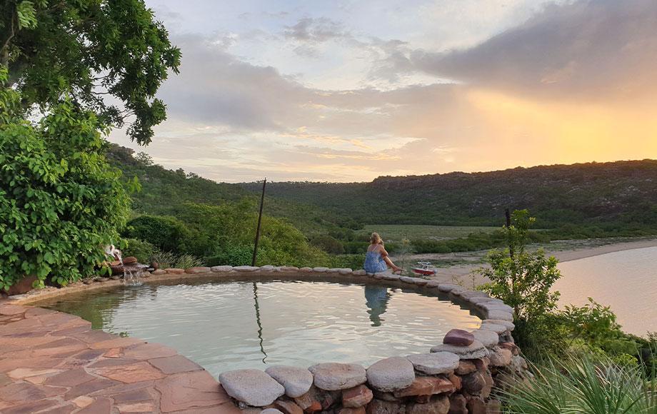 Infinity pool at Faraway Bay Lodge