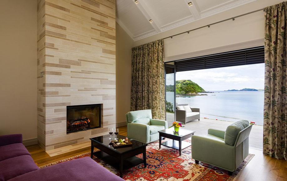 Helena Bay suite