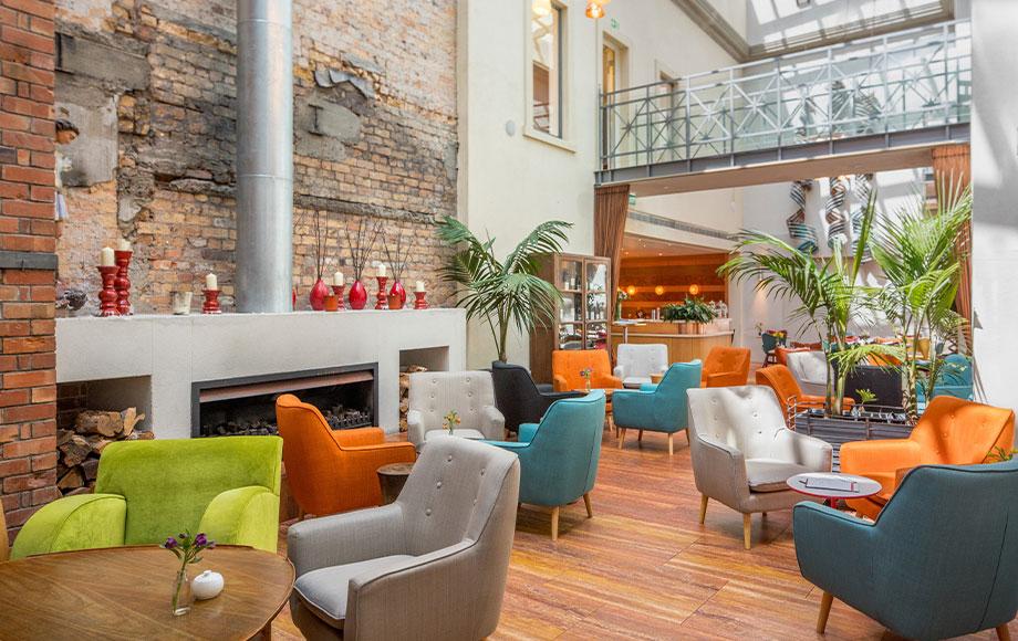 Hotel DeBrett interior