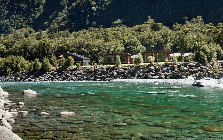 Milford Sound Lodge Riverside Chalet Suite