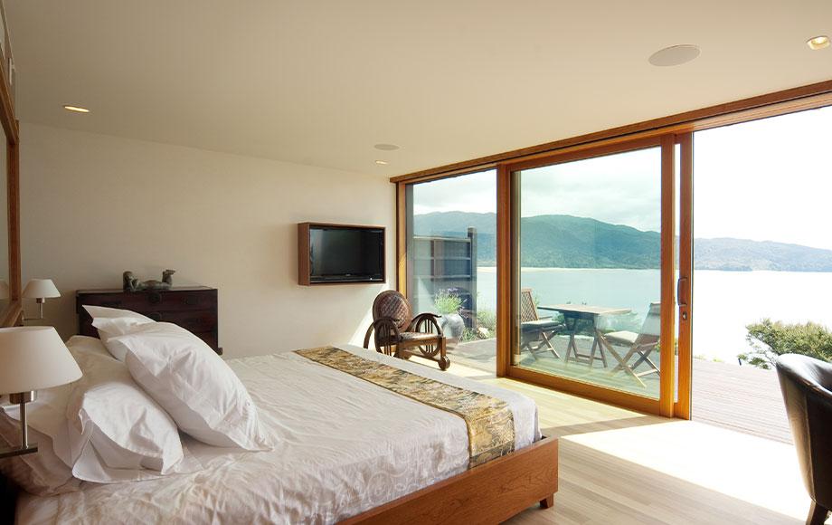 Split Apple Retreat room with view of Tasman Bay